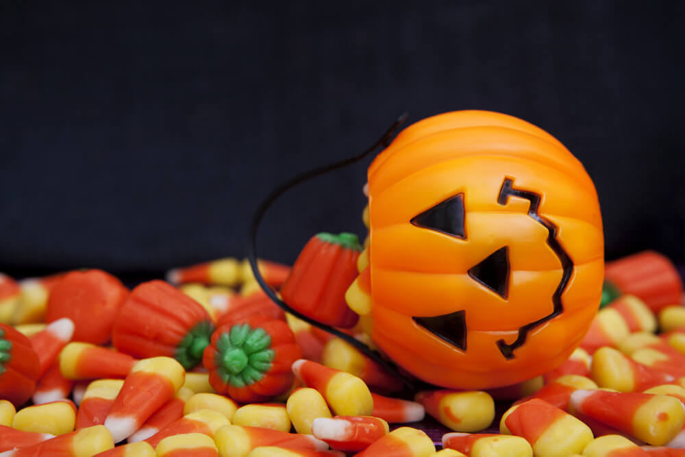 The Worst (and Best!) Halloween Treats for Your Teeth