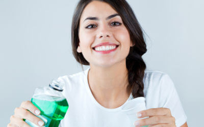 What Kind of Mouthwash Do Dentists Recommend